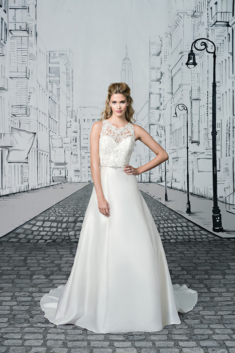 Style 8902 gown from the 2017 Justin Alexander collection, as seen on dressfinder.ca