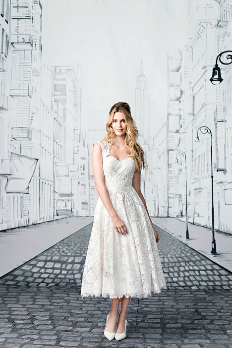 8904 Wedding                                          dress by Justin Alexander