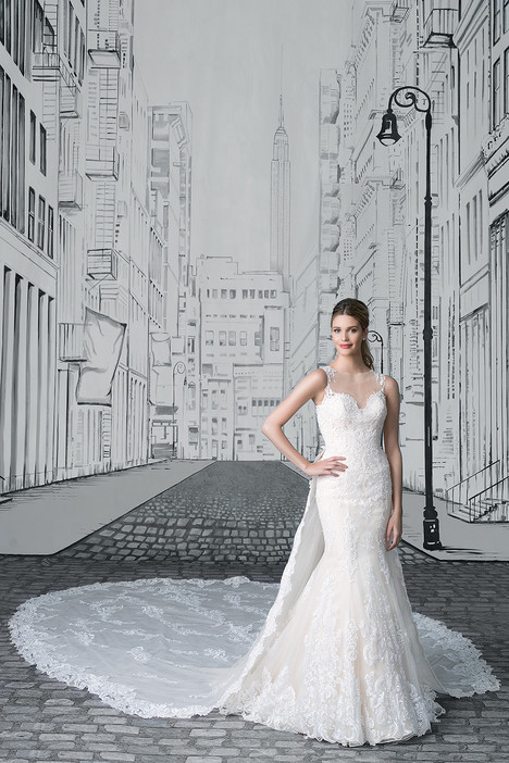 8909 gown from the 2017 Justin Alexander collection, as seen on dressfinder.ca
