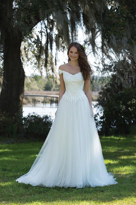 6186 Wedding                                          dress by Sweetheart