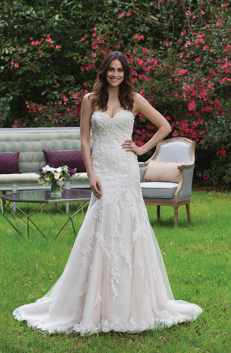 3967 Wedding dress by Sincerity