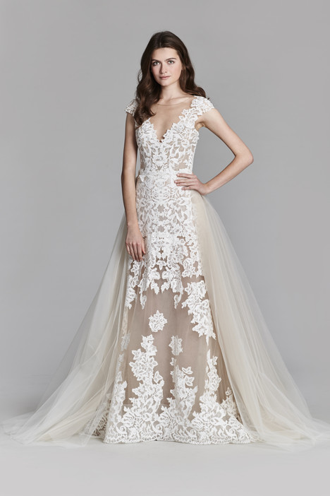 8708 Wedding                                          dress by Jim Hjelm