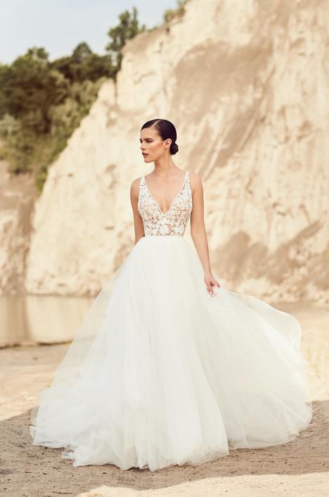2106 Wedding                                          dress by Mikaella