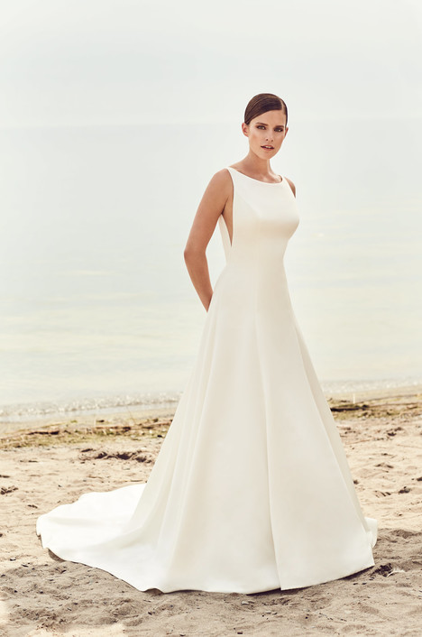 Style 2115 gown from the 2017 Mikaella collection, as seen on dressfinder.ca