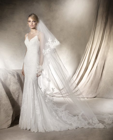 Haldis gown from the 2017 La Sposa collection, as seen on dressfinder.ca