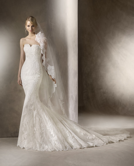 Heno gown from the 2017 La Sposa collection, as seen on dressfinder.ca