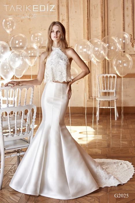 Malaga (G2025) gown from the 2017 Tarik Ediz: White collection, as seen on dressfinder.ca