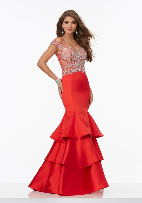 99079 gown from the 2017 Mori Lee Prom collection, as seen on dressfinder.ca