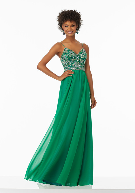 99129 (emerald) gown from the 2017 Mori Lee Prom collection, as seen on dressfinder.ca