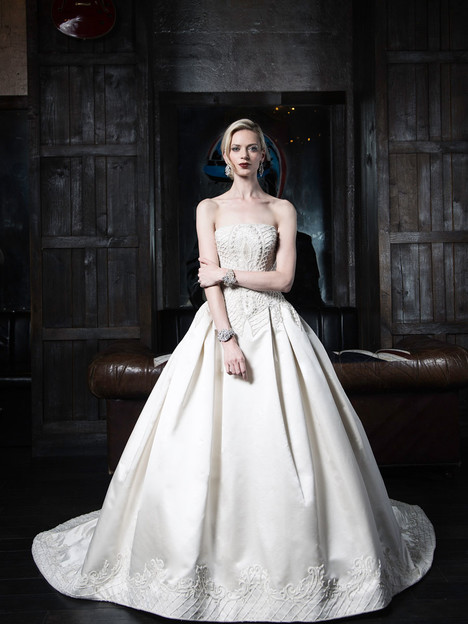 VHC368 Wedding                                          dress by Victor Harper : Couture