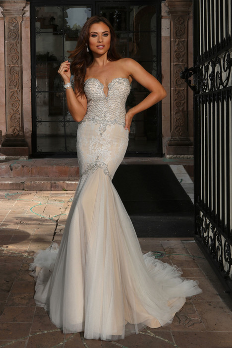Iris (13084) Wedding                                          dress by Cristiano Lucci