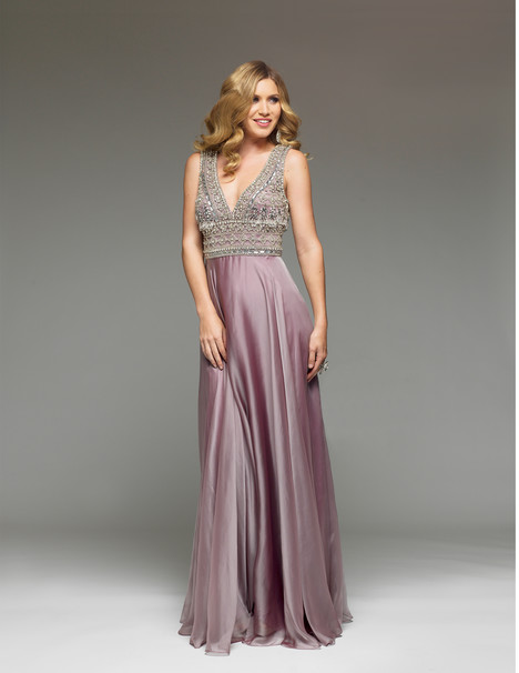 J4064 (ice berry) gown from the 2017 Jadore Evening collection, as seen on dressfinder.ca