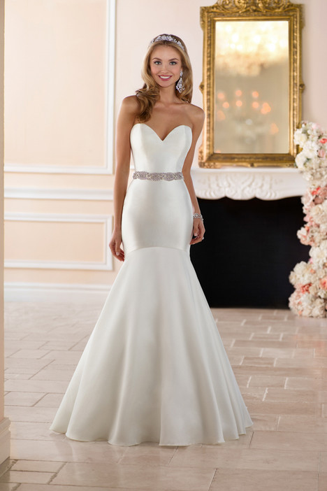 6390 gown from the 2017 Stella York collection, as seen on dressfinder.ca
