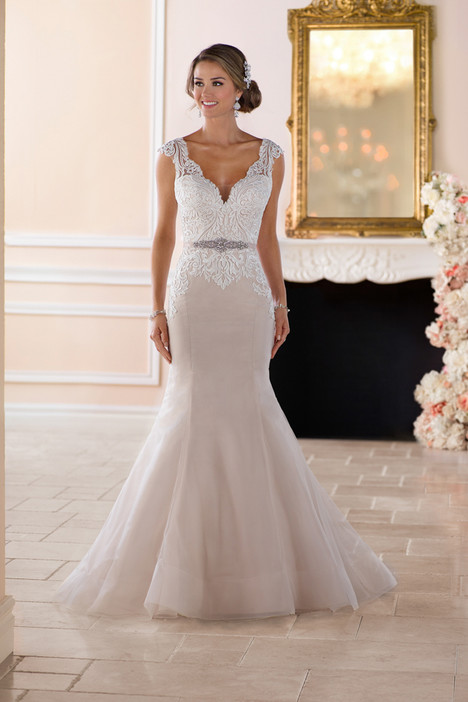6398 gown from the 2017 Stella York collection, as seen on dressfinder.ca