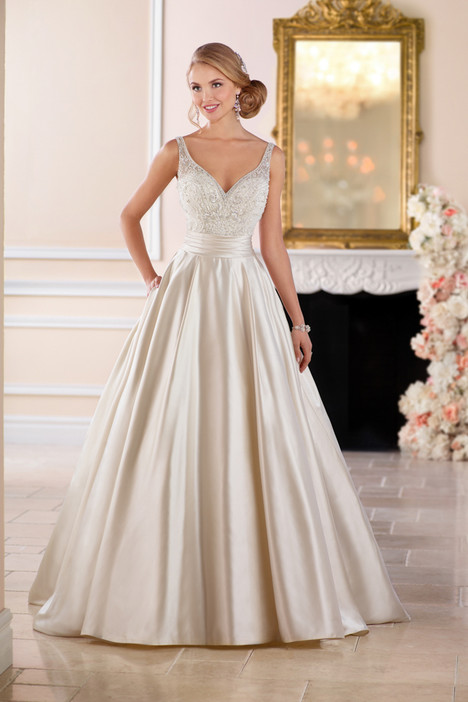 6447 gown from the 2017 Stella York collection, as seen on dressfinder.ca