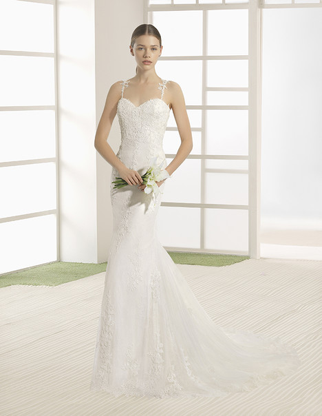 Vicky (9K134) Wedding                                          dress by Rosa Clara: Soft