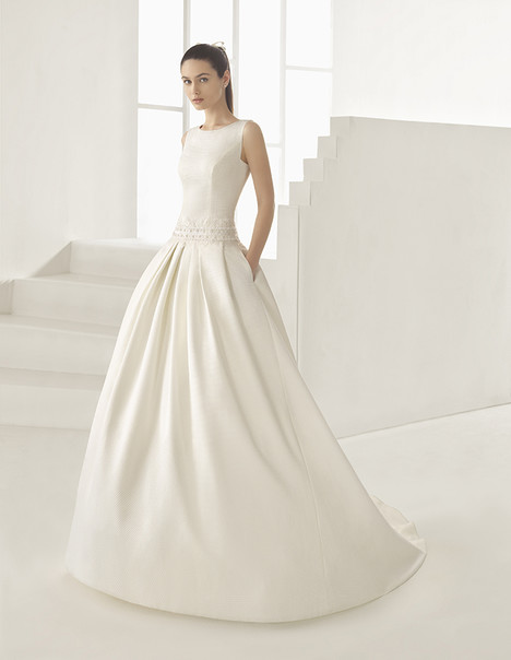 Elvia (9A139) Wedding                                          dress by Rosa Clara