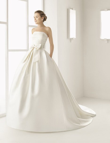 Encanto (9A248) Wedding                                          dress by Rosa Clara