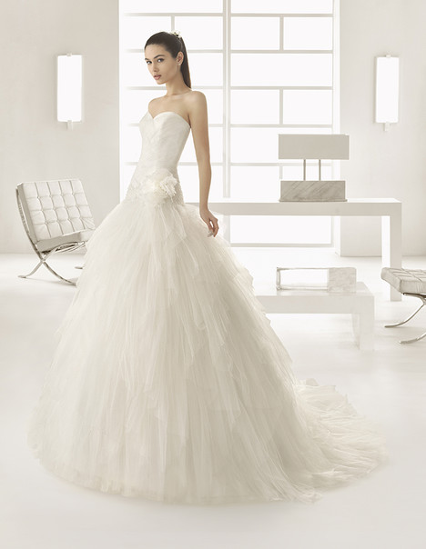 Espiga (9A172) Wedding                                          dress by Rosa Clara