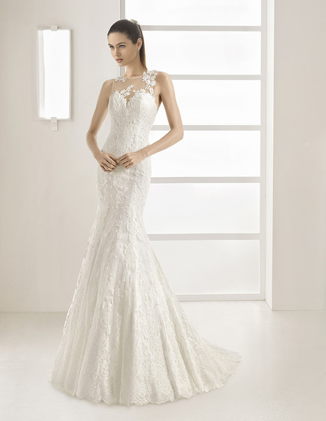Ezequiel (9A1A4) Wedding                                          dress by Rosa Clara
