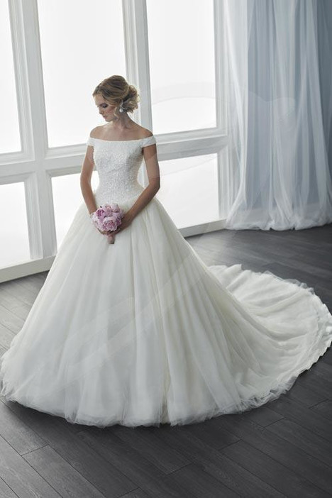 15633 Wedding                                          dress by Christina Wu