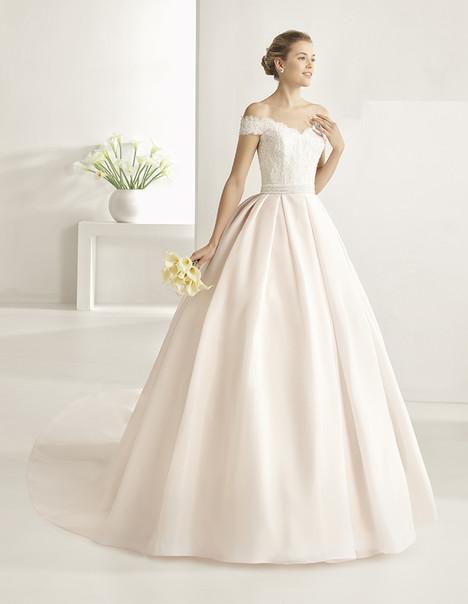 Onix (1A272) Wedding                                          dress by Rosa Clara