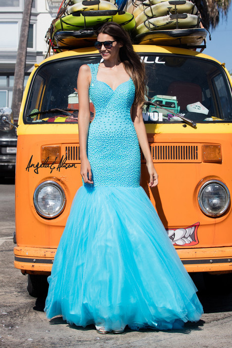 Style 771069 gown from the 2017 Angela & Alison Prom collection, as seen on dressfinder.ca