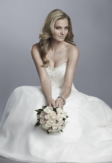 D604 Wedding dress by Cassidy Sara