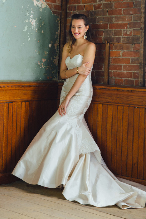 Holly Wedding                                          dress by Lea-Ann Belter