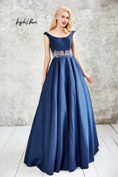 771081 (1) Prom                                             dress by Angela & Alison Prom