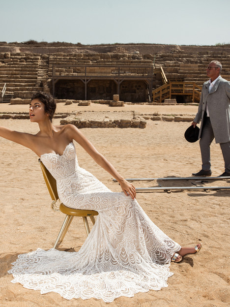 809 Wedding dress by GALA by Galia Lahav
