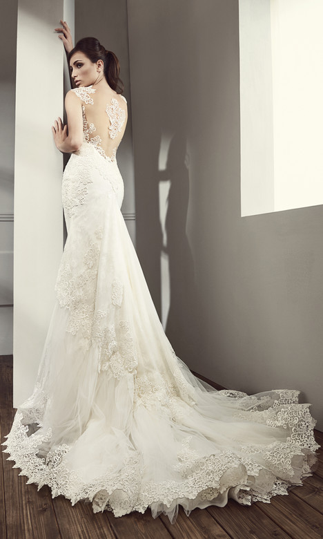 RS 5007 (back) Wedding                                          dress by Regina Schrecker Sposa