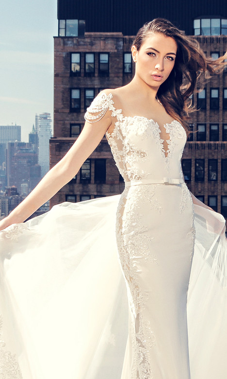 3656 Wedding                                          dress by Regina Schrecker Sposa