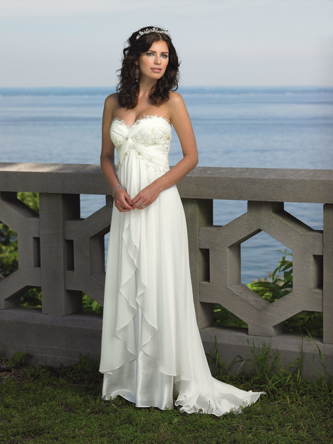 18107 gown from the 2015 Enchanting by Mon Cheri collection, as seen on dressfinder.ca