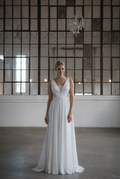 Illodie Wedding                                          dress by Lis Simon