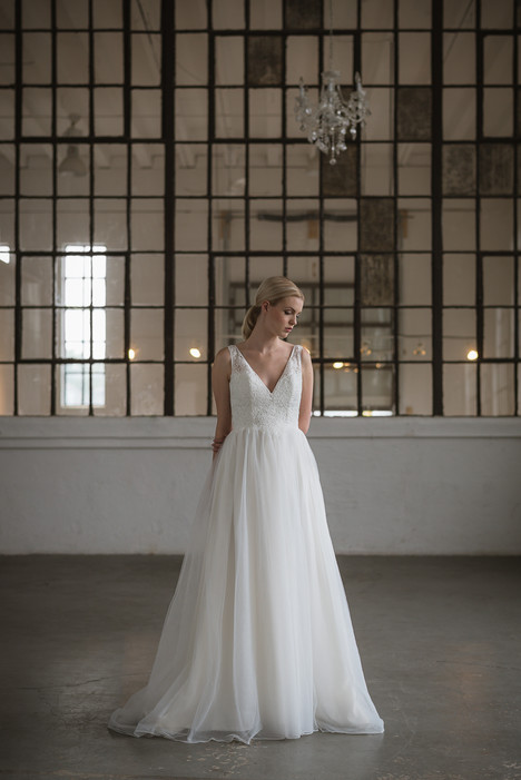 Iris Wedding                                          dress by Lis Simon