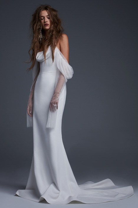 Floriana gown from the 2017 Vera Wang collection, as seen on dressfinder.ca