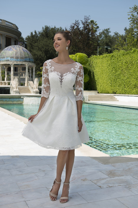 VN6913 Wedding dress by Venus Informal