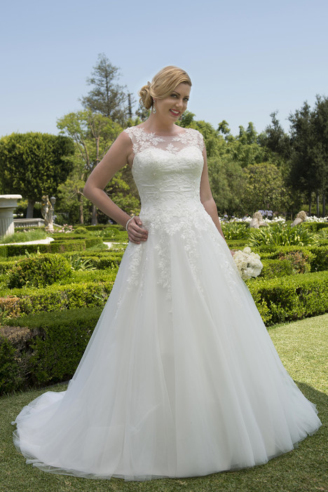 VW8740 Wedding                                          dress by Venus Woman