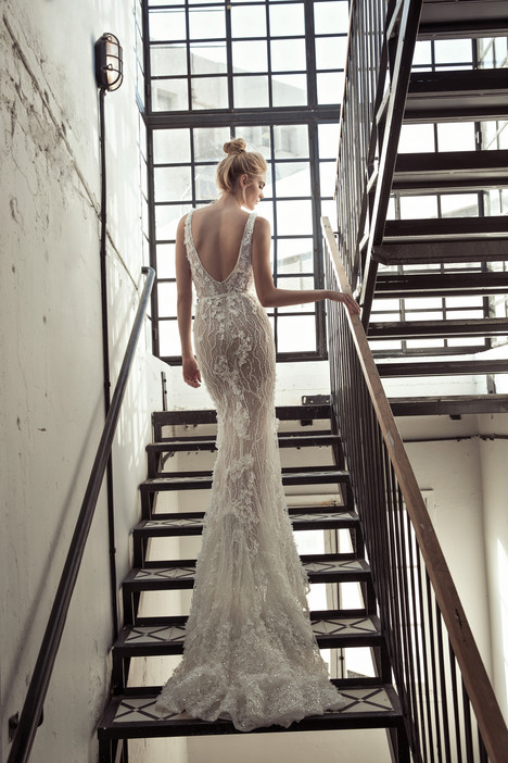 Sansa (back) Wedding                                          dress by Lee Petra Grebenau