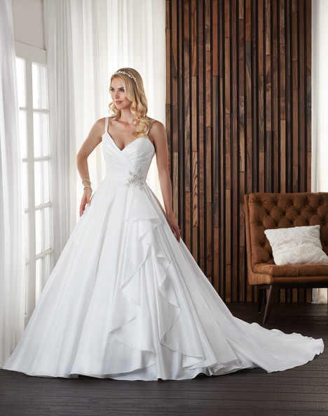703 Wedding                                          dress by Bonny Bridal
