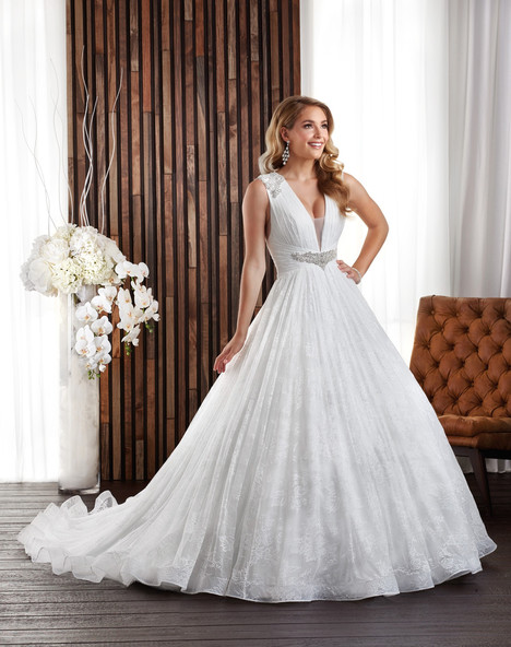 705 Wedding                                          dress by Bonny Bridal