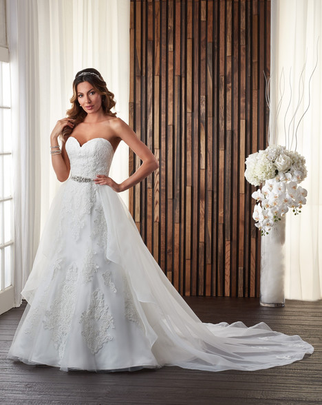 712 Wedding                                          dress by Bonny Bridal