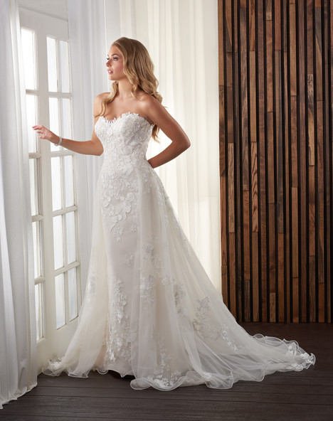 720 Wedding                                          dress by Bonny Bridal