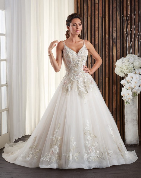 722 Wedding dress by Bonny Bridal