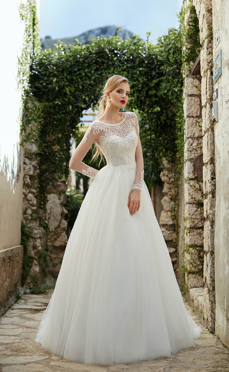 Diana (10418) Wedding                                          dress by Victoria Soprano