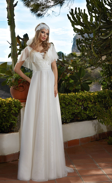 Erica (10218) Wedding                                          dress by Victoria Soprano