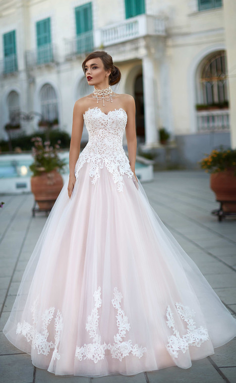 Federica (1068) Wedding dress by Victoria Soprano