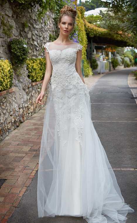 Patrizia (13318) gown from the 2017 Victoria Soprano collection, as seen on dressfinder.ca