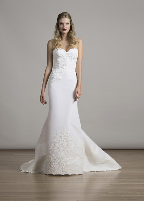 6872 Wedding                                          dress by Liancarlo